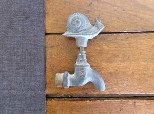 Snail tap